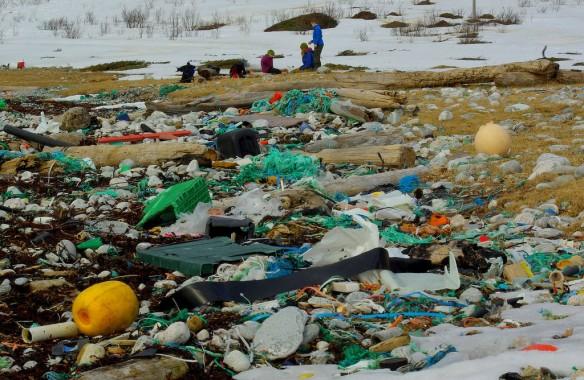 plastic-pollution-coastal-care-norway-584x380