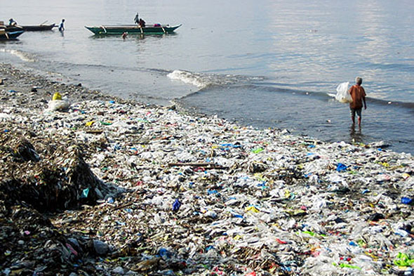 se-asia-trash-beach